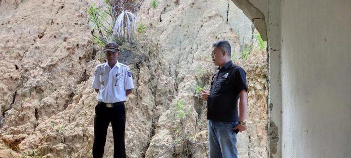 John Rende Mangontan Prihatin Lihat SMAN XII Mampak Tertimpa Longsor, Desak Pemkab Tana Toraja Renovasi