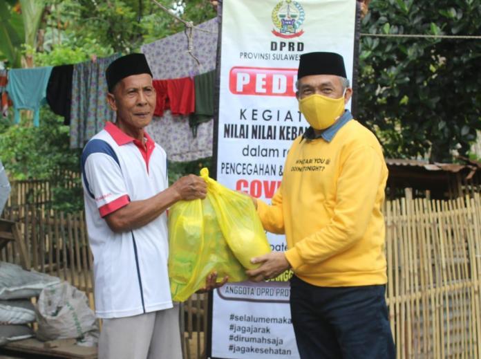 Sosialisasi Pencegahan COVID-19, Fahruddin Rangga Bagikan Masker dan Sembako di Bontonompo