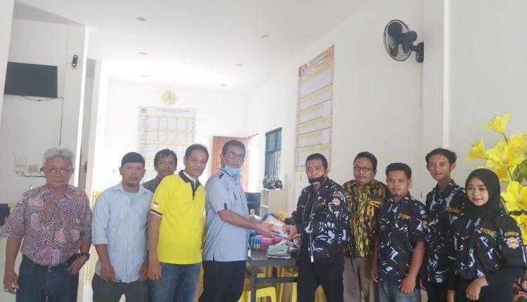 AMPI Pimpin Satgas COVID-19 Golkar Simalungun, Bagikan Masker dan Hand Sanitizer Untuk Warga