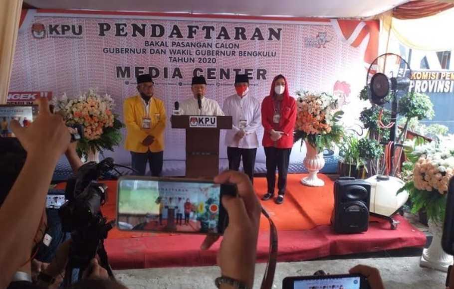Unggul di 6 Dari 10 Kabupaten/ Kota, Rohidin Mersyah-Rosjonsyah Menangkan Pilgub Bengkulu