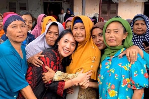 Strategi Puteri Komarudin Perangi Bank Emok Yang Mencekik Rakyat Kecil