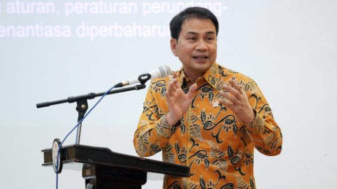 Azis Syamsuddin Desak Kemendag dan Kementan Kontrol Harga Komoditas Pangan