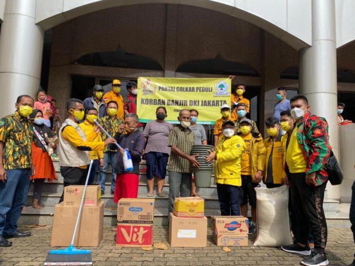 Badan Penanggulangan Bencana DPP Golkar Gerak Cepat Bantu Korban Banjir di Jabodetabek