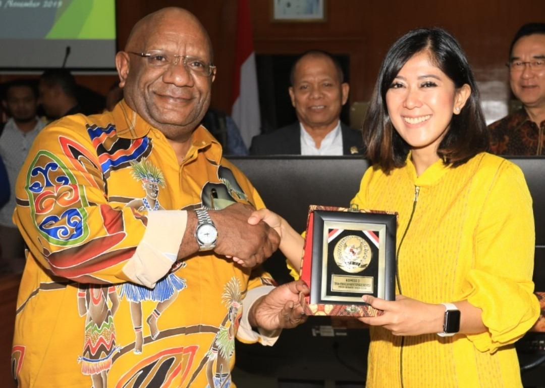 Tuntaskan Persoalan Papua, Meutya Hafid Dorong Pendekatan Dialogis