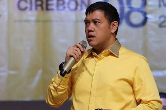 Dave Laksono Salurkan Sembako dan Alat Olahraga di Indramayu dan Oksigen Untuk RS di Cirebon