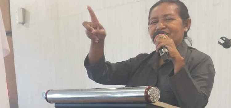 Ketua Fraksi Golkar DPRD Sikka, Maria Mayestatis Curiga Ada Ijon Sejumlah Proyek Pinjaman Daerah