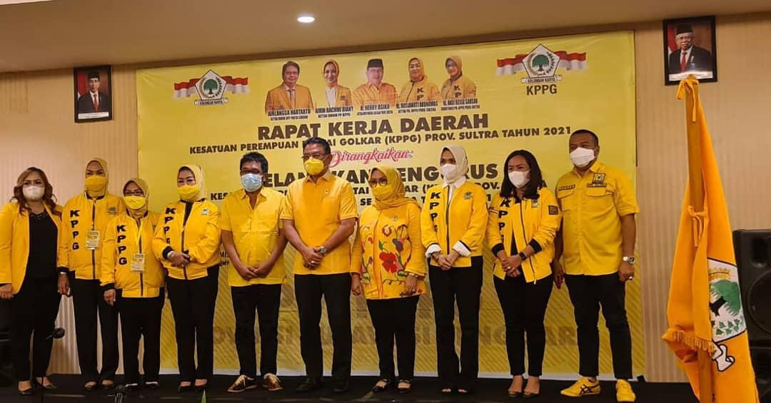 KPPG Sultra Resmi Dilantik, Rusiawati Silondae Siap Kembalikan Kejayaan Partai Golkar