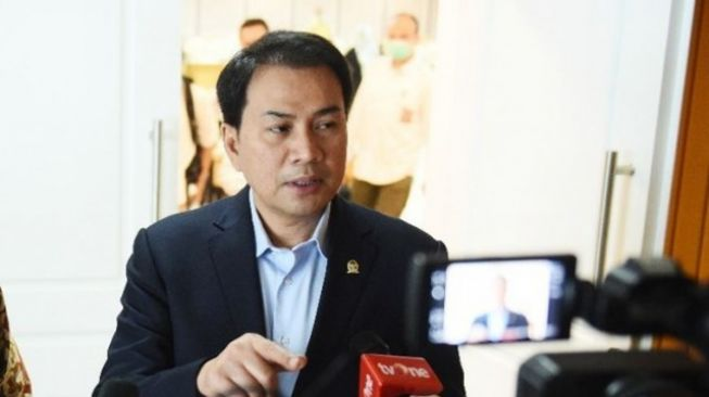 Azis Syamsuddin Apresiasi BPOM-MUI Cepat Keluarkan Izin Darurat Penggunaan Vaksin Sinovac