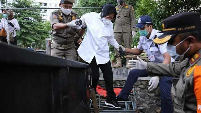 Puji Blusukan Mensos Risma Tiru Jokowi, Ace Hasan Ingatkan Berbagi Peran Layanan Sosial Dengan Pemda