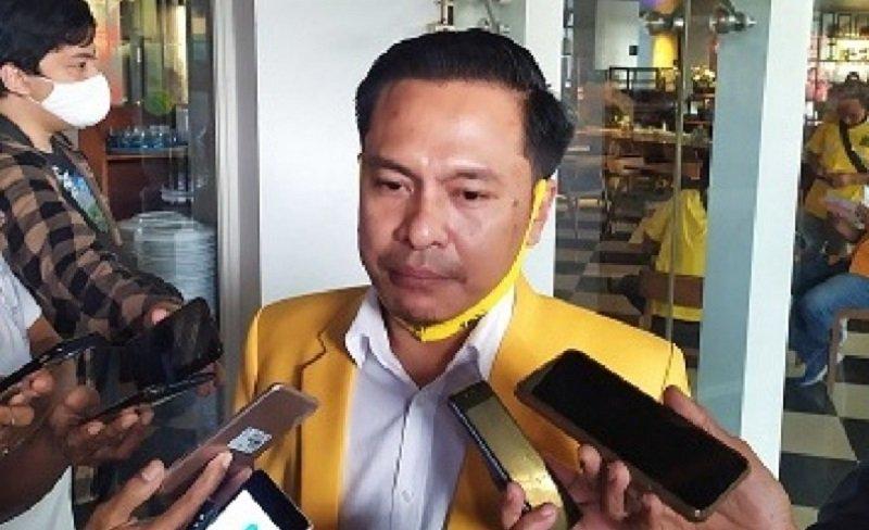 Desak Mundur Dari Jabatan Walikota, Arif Fathoni Minta Risma Jangan Permalukan Rakyat Surabaya