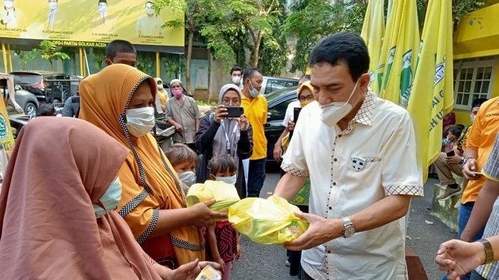 Golkar Aceh Bagikan 400 Takjil Untuk Yatim Piatu, TM Nurlif: Tanggung Jawab Sosial ke Masyarakat