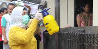 Cegah COVID-19, AMPI Jombang Semprot Disinfektan Puluhan Masjid dan Musala