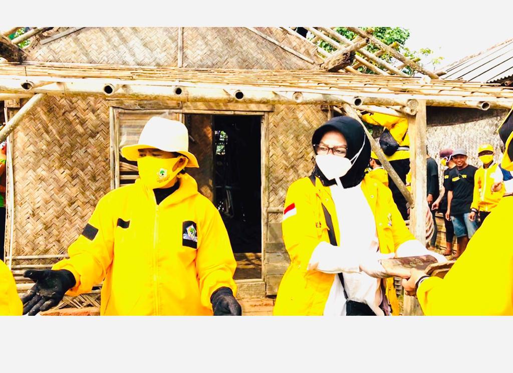 Golkar Subang dan Relawan Elita Bedah Rumah Warga Miskin di Wanajaya, Purwajaya dan Prapatan