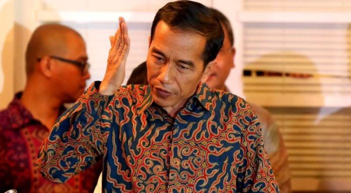 Pengamat Nilai Airlangga Sulit Kantongi Restu Jokowi Jadi Ketum Golkar Lagi
