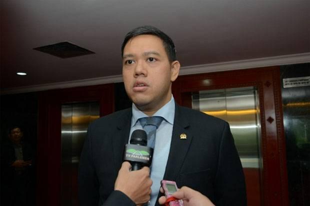Dave Laksono Tegaskan Komisi ! DPR Belum Terima Surpres Jokowi Terkait Calon Panglima TNI
