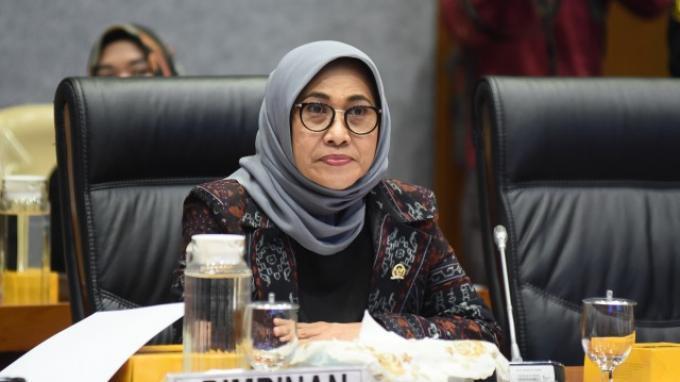 Hetifah Sambut Positif Inisiatif Pemerintah Keluarkan SKB 3 Menteri Soal Seragam Sekolah
