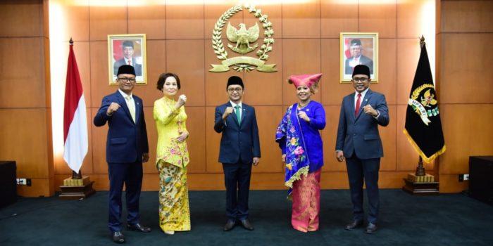 Bamsoet Lantik Bambang Hermanto Jadi Anggota MPR RI Gantikan Daniel Mutaqien