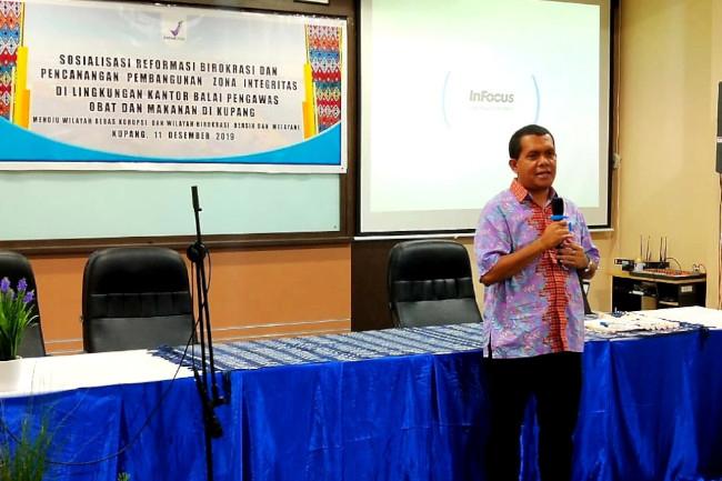 Marak Keracunan Makanan Kadaluarsa, Melki Laka Lena Gandeng BPOM Sosialisasi di Kupang