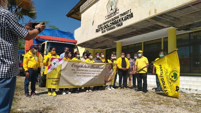 Golkar NTT Buka Dapur Umum, Layani Charger Hp dan Sediakan Wifi Gratis Untuk Korban Bencana Siklon Seroja