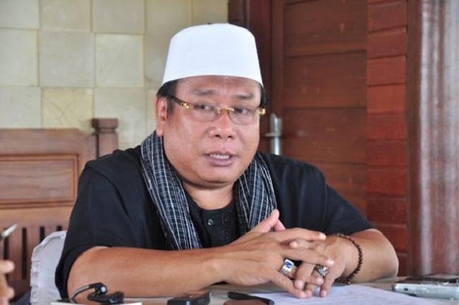 Bupati Suhaili FT Siapkan 2 Juta Masker dan Hand Sanitizer Produksi Lokal Untuk Masyarakat Loteng