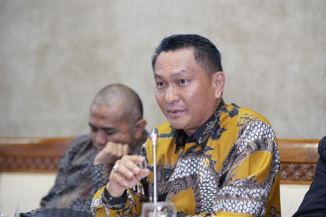 Bambang Pattijaya Minta Provider Swasta Atasi Blindspot Sinyal Komunikasi di Indonesia