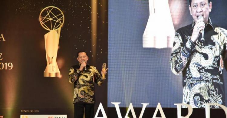 Bawa DPR Jadi Parlemen Terbuka Pertama Di Dunia, Bamsoet Sabet Indonesia Digital Initiative Awards 2019