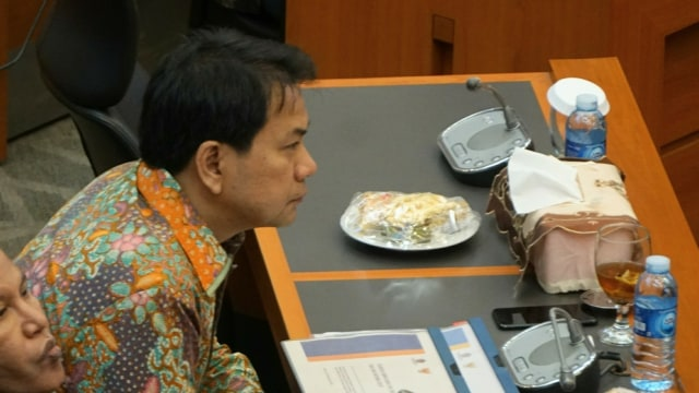 Dukung Kritik Masyarakat ke Pemerintah, Azis Syamsuddin: Yang Membangun, Jangan Hantam Kromo