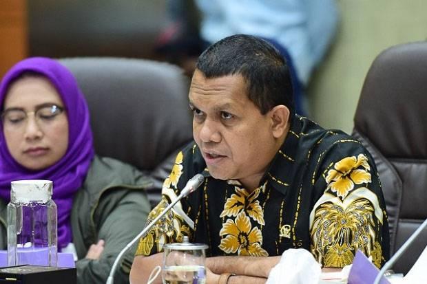 Sindir Gubernur Bali Langgar Prokes COVID-19, Melki Laka Lena: Pemimpin Harusnya Beri Tauladan