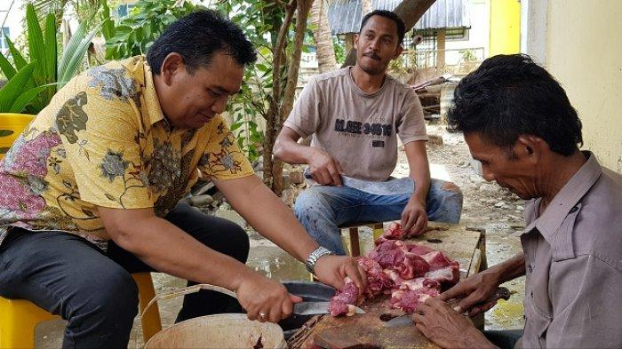 Potong 3 Ekor Lembu, Golkar Pidie Salurkan 347 Paket Daging Kurban Ke Masyarakat