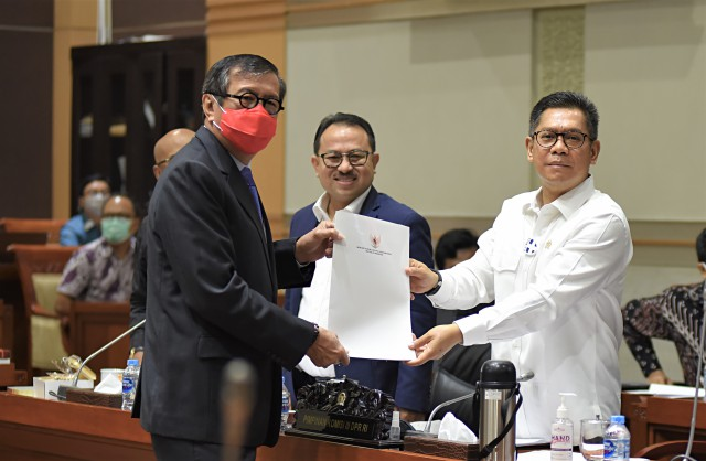 Bakal Rampung Oktober, Adies Kadir Ungkap Alasan Perlunya Revisi UU Mahkamah Konstitusi