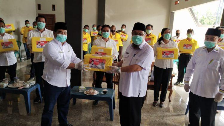 Reses di Jati Agung, Tony Eka Candra Bagikan Puluhan Ribu Masker dan Hand Sanitizer