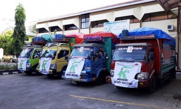 Gunakan 9 Truk, Airlangga Hartarto Kirim Ribuan Paket Logistik Untuk Korban Gempa Sulteng