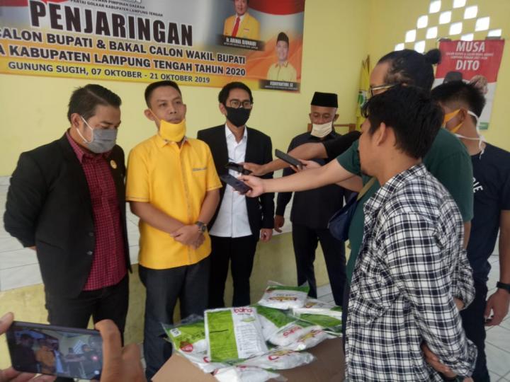 Febriyantoni Wakili Musa Ahmad Distribusikan APD Ke Sejumlah Puskesmas di Lamteng