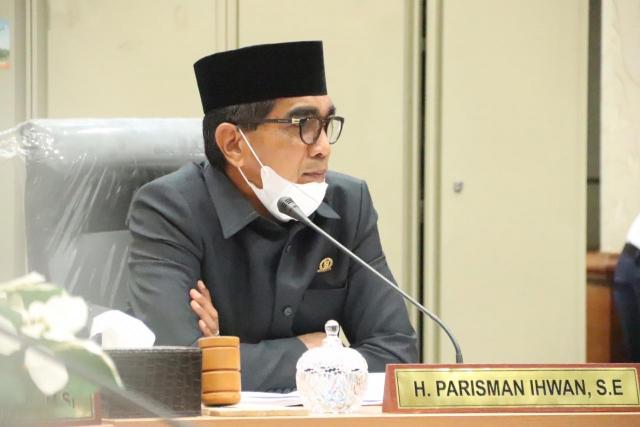 Parisman Ihwan Tuntaskan Miskomunikasi Masalah Ijazah Warga Kota Pekanbaru Yang Ditahan Sekolah