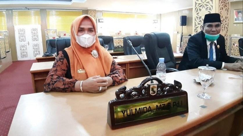 Bermodal 234 Suara, Yulmida Dilantik PAW DPRD Pelalawan Gantikan Adi Sukemi