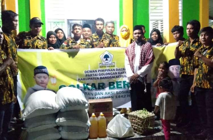 Aksi Sosial Ramadhan, Golkar Bangkep Santuni Para Santri Ponpes Hidayatullah Alakasing