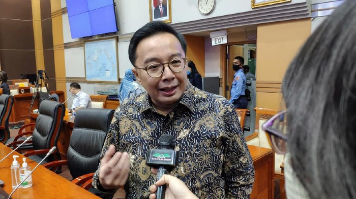 Bobby Rizaldi Dukung Pemerintah Larang Masuk TKA Ke Indonesia Selama PPKM Darurat