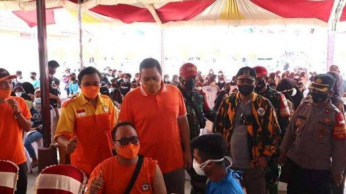 HUT Ke-42 Dave Laksono, PPK Kosgoro 1957 Gelar Vaksinasi Massal dan Bagi Sembako di Cirebon-Indramayu
