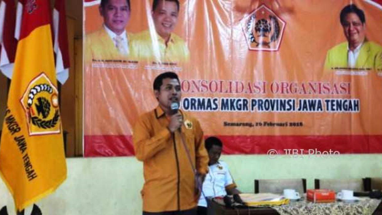 Ormas MKGR Jawa Tengah Peduli, Salurkan Paket Sembako Bagi Masyarakat Tak Mampu