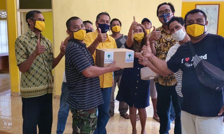 Cegah COVID-19 di Karangasem, Gusti Nugrah Setiawan Gandeng AMPG dan KPPG Bagikan 10 Ribu Masker