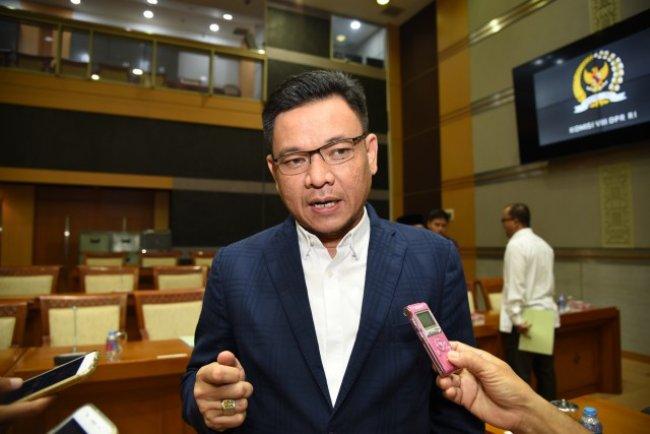 Disuntik Vaksin COVID-19, Ace Hasan Puji Jokowi Pemimpin Bertanggung Jawab