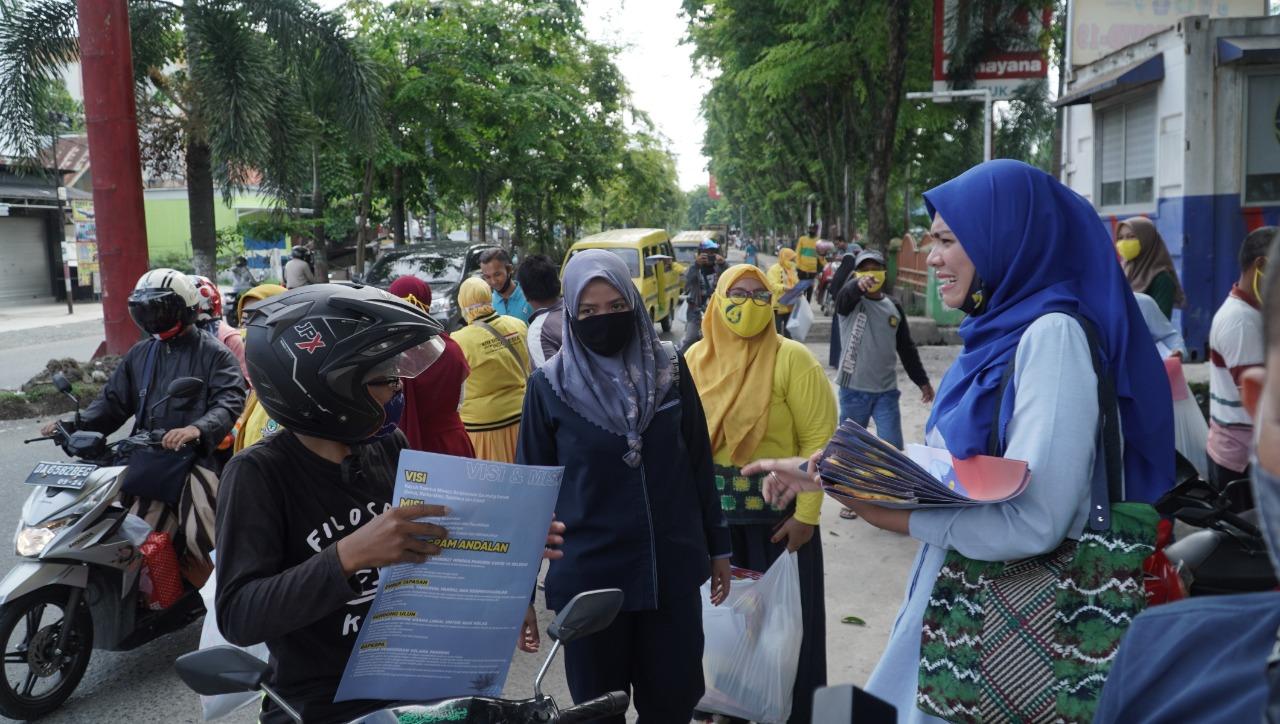 Puluhan Kader KPPG Kawal Calon Walikota Banjarmasin Hj Ananda Blusukan ke Pasar Sentral Antasari