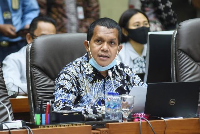 Antisipasi Embargo, Melki Laka Lena Minta Kemenkes Kembangkan Vaksin COVID-19 Dalam Negeri