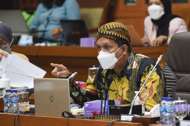 Melki Laka Lena Dukung Pengembangan Industri Farmasi dan Alkes Lokal, Termasuk Vaksin Nusantara