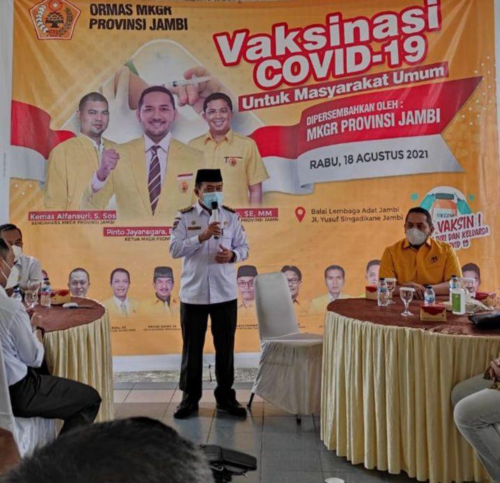 Gubernur Al Haris Hadiri dan Apresiasi Program Vaksinasi Ormas MKGR Provinsi Jambi Untuk Masyarakat