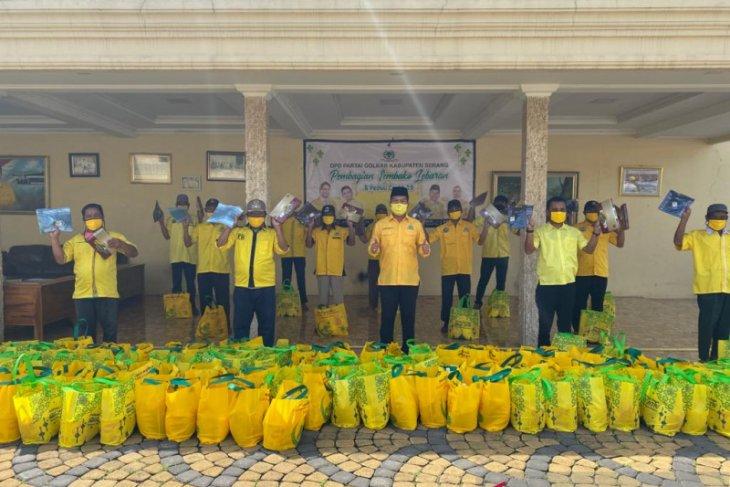 Suparman Pimpin Fraksi Golkar DPRD Banten Salurkan 22.000 Paket Sembako Untuk Masyarakat