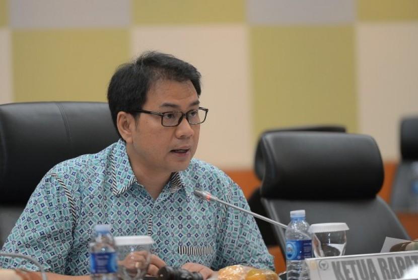 Azis Syamsuddin Dukung RUU Ekonomi Syariah Lebih Berpihak Pada UMKM