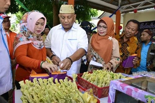 Gubernur Gorontalo Resmikan Dodol Pocong, Program Wirausaha SMAN 1 Tibawa