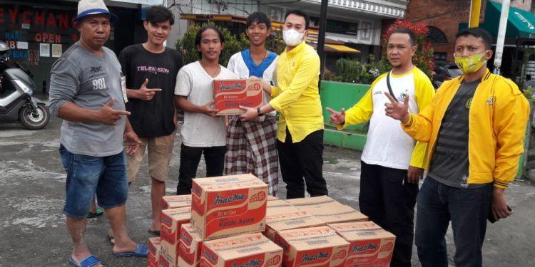 Afry Rizki Lubis Pimpin Fraksi Golkar DPRD Kota Medan Bantu Ratusan Korban Banjir di Dua Kecamatan
