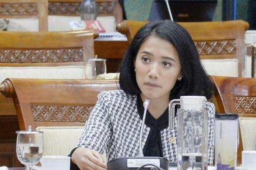 Puteri Komarudin Donasikan Gaji dan Tunjangan Untuk Bantu Masyarakat Terdampak COVID-19